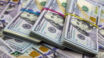 El dólar blue se ubicó en un 57,20 por ciento por encima del valor oficial