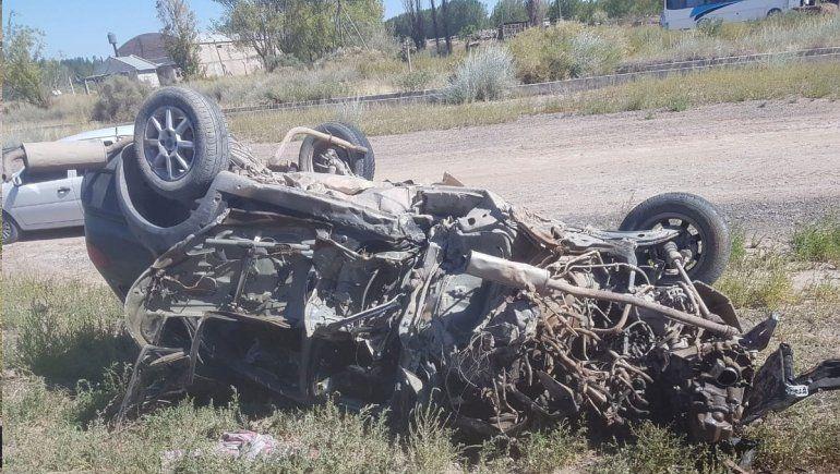 Ruta 7: perdió el control de su auto y armó una carambola temible