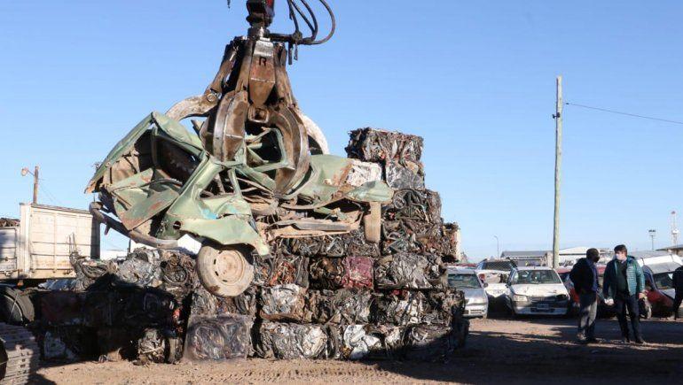 El municipio compactará 170 toneladas de vehículos