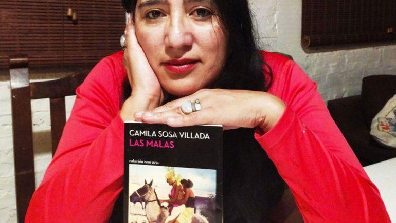 Lectoras neuquinas atraídas por la novela de una exitosa escritora trans