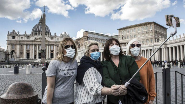 Italia suma otros 5900 casos pese a las restricciones