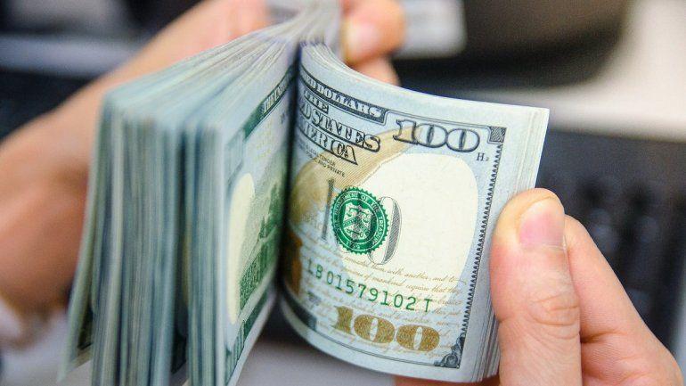 Al final del año, hay una mayor necesidad de pesos y menos compras de dólares azules.