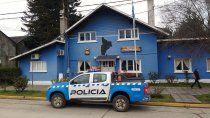 detuvieron a tres jovenes borrachos por agredir a policias