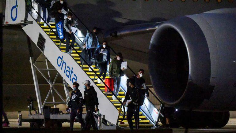 Escándalo: 47 tenistas aislados en hoteles por positivos en sus vuelos