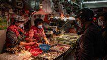 china insiste: el coronavirus entro a wuhan por mariscos congelados de otro pais