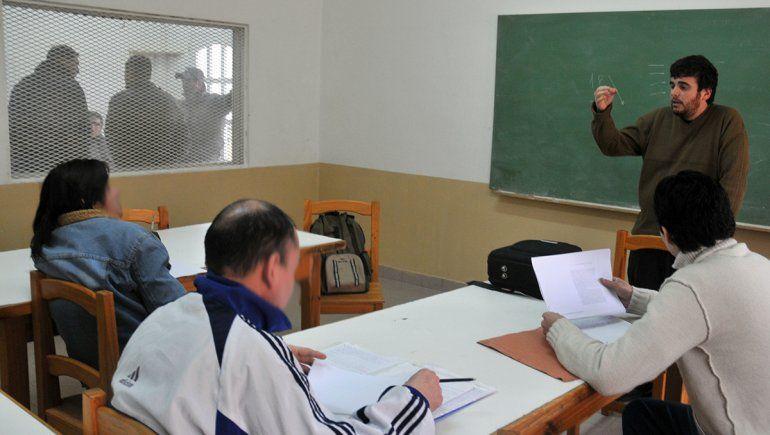 Cayó fuerte la matrícula de los presos que estudian en 2020