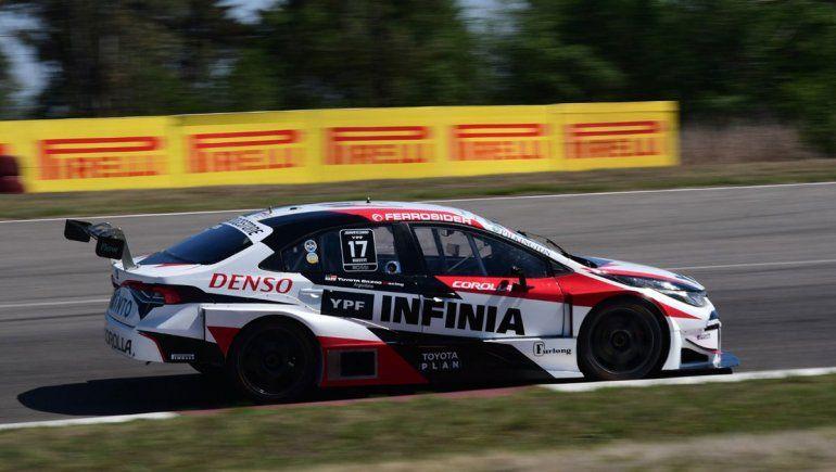 Matías Rossi se llevó la final sabatina de la cuarta fecha del Súper TC2000.