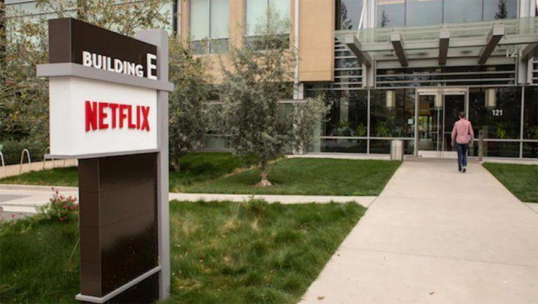 El reparto y el equipo de Netflix en EE.UU. deben estar vacunados para trabajar