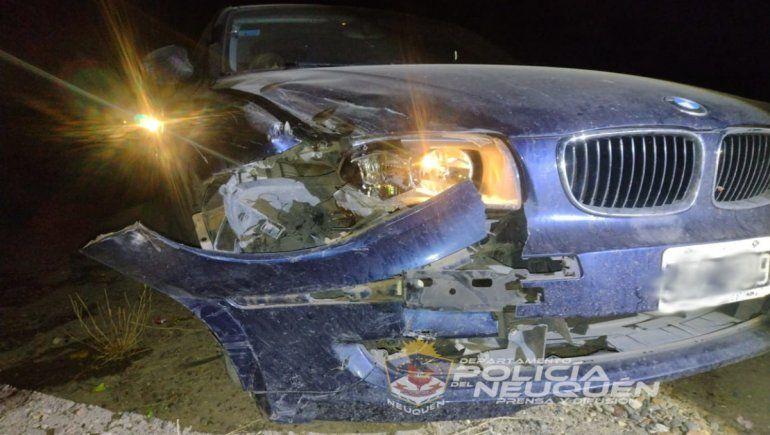 Manejando a exceso de velocidad, chocó y mató a un adolescente