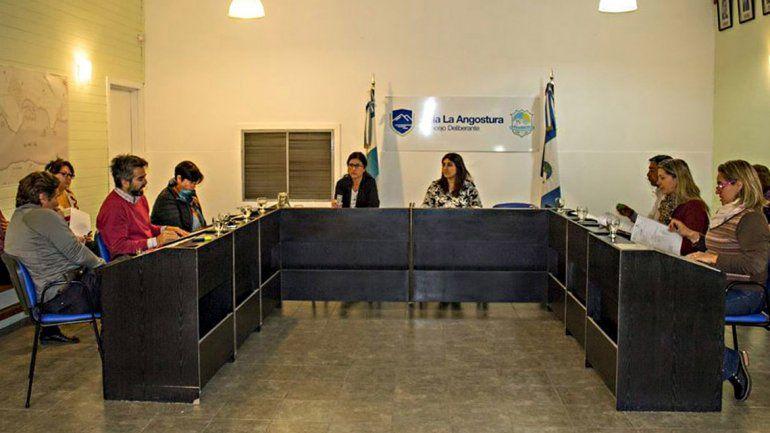 El Concejo de La Angostura rechazó las horas extra de los directores.