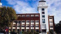 confirmaron tres casos de variante delta en el brote del colegio porteno