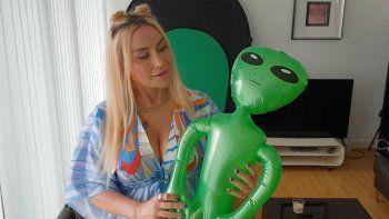 Viral: afirmó ser secuestrada por alienígenas y estar enamorada de uno de ellos.