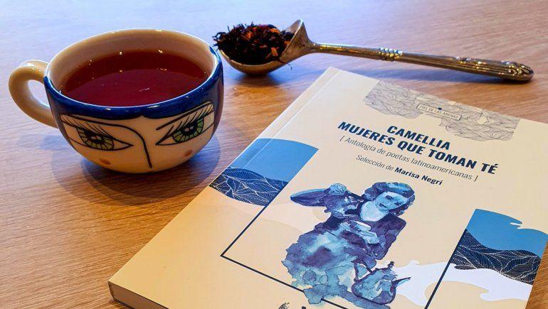 Las mujeres que escriben poemas y toman té