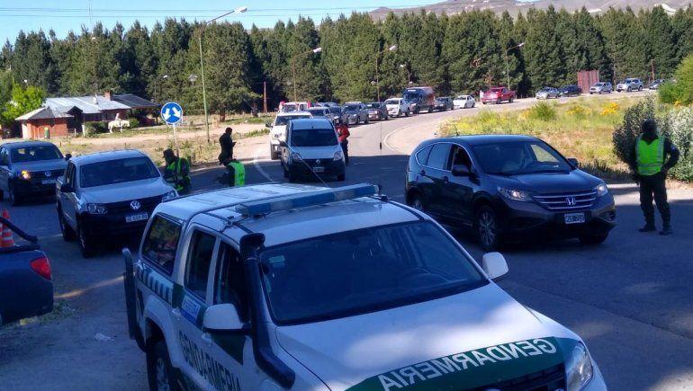 Arrancó el éxodo turístico: una caravana de autos hacia la cordillera