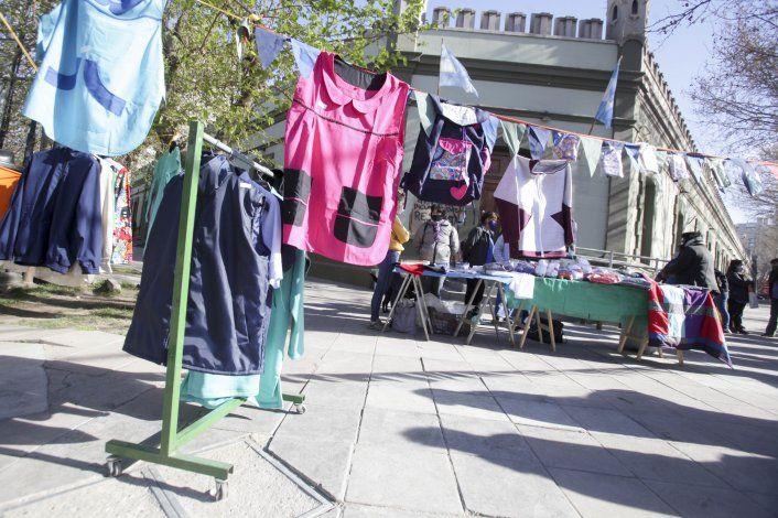 Textiles reclaman que cumplan el convenio para la compra de uniformes