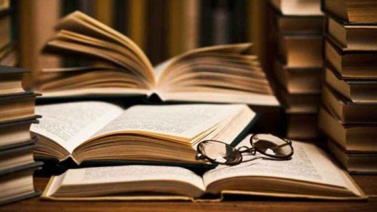 Soñar con libros: conocé qué significa
