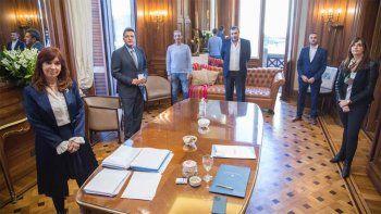 Cristina y Massa acordaron un 40% de aumento para los empleados del Congreso
