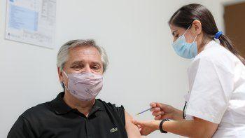 Alberto Fernández recibió la vacuna Sputnik V