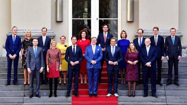 Holanda sin gobierno tras renuncia masiva de funcionarios
