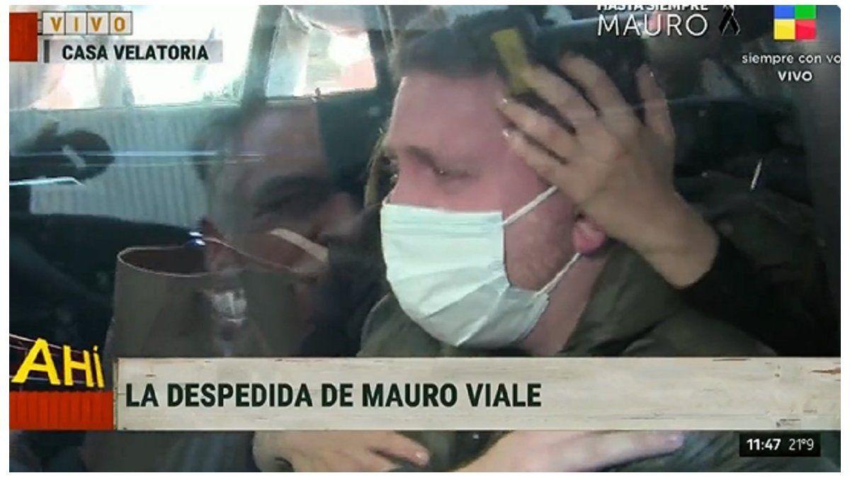 El llanto desconsolado de Jony en el último adiós a Mauro Viale