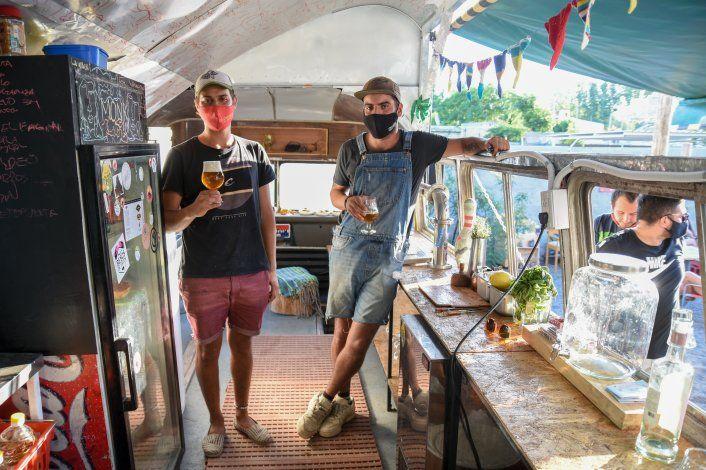 Crearon un bar sustentable con los desechos de otros restaurantes de Neuquén