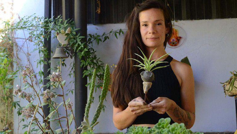 Cronopios macetines: cuando de una cabeza crece una planta
