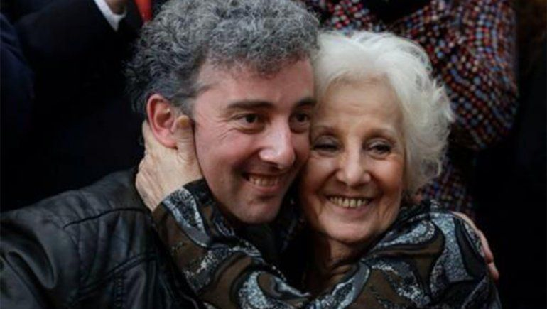 Estela de Carlotto se reencontró con su nieto en el 2014   Foto: @EstelaDCarlotto (vía Twitter)