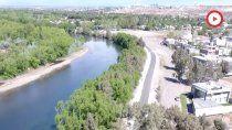 mira el nuevo tramo del paseo costero sobre el rio neuquen