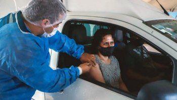 Inauguran un Auto-Vac en Roca para vacunarse sin bajarse del auto