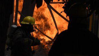 dolor y solidaridad de politicos por el incendio en cervi
