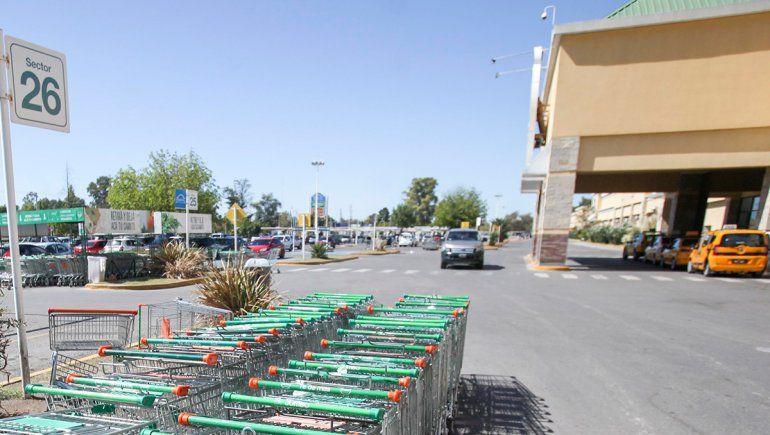 Los comerciantes de los shoppings piden trabajar