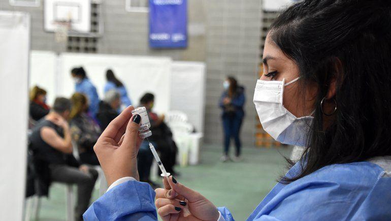 ¿Quiénes reciben vacunas contra el COVID este sábado?