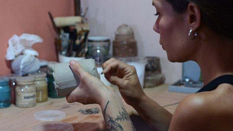 Josefina es artista y emprendedora neuquina.