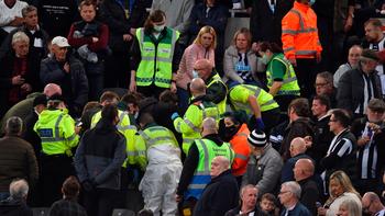 Desesperante: un hincha sufrió un paro cardíaco y lo salvaron por el aviso de los jugadores
