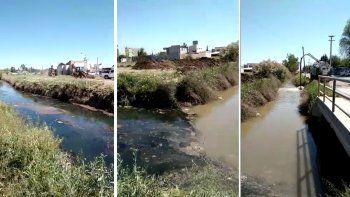acusan al epas de arrojar vertidos cloacales sin tratamiento al rio limay