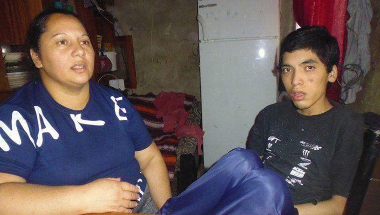Son cartoneros y necesitan 35 mil pesos por mes para alimentar a su hijo con epilepsia