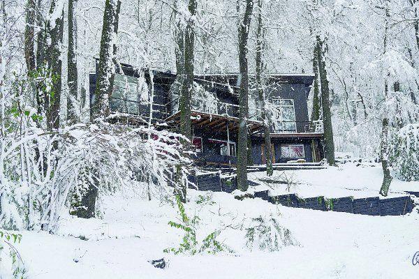 La casa de San Martín de los Andes, donde una rama mató a un nene.