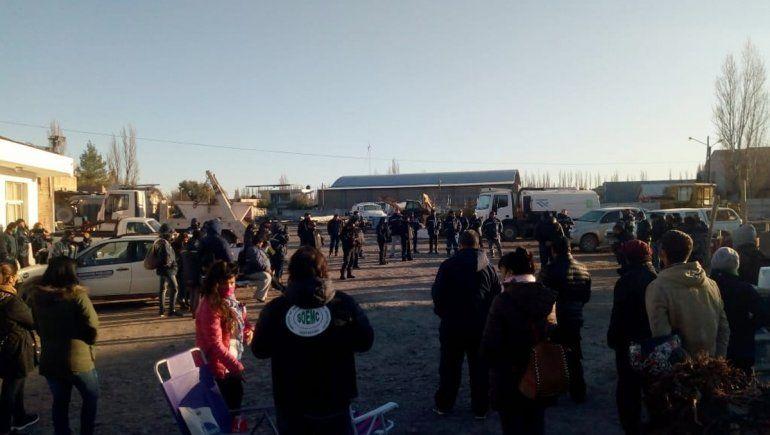 Paro de municipales de Centenario por el pago de aguinaldo