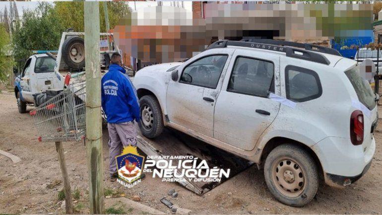 Atrapan a ladrón de vehículos y recuperan una camioneta
