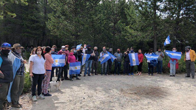 Cuatro días cautivos en el campo de El Foyel: Lo estamos pasando muy mal
