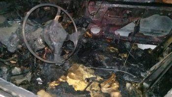 se le incendio el auto luego de que le respondio a la intendenta por una bici robada