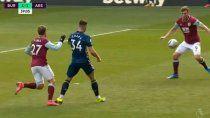 El momento exacto del Blooper que terminó en gol.