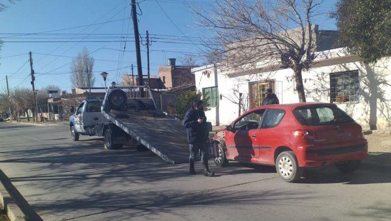 Cutral Co: encuentran un auto robado en Plottier  y un motor
