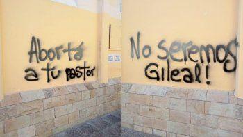 denuncian hechos vandalicos durante el ni una menos