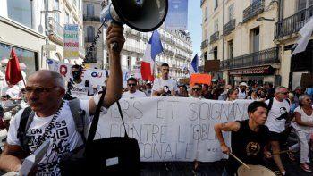francia suspendio a 3000 trabajadores sanitarios no vacunados