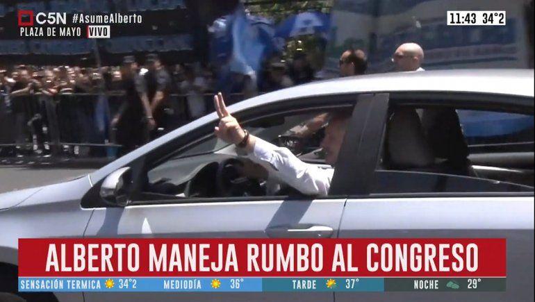 Alberto Fernández fue manejando desde su casa hasta el Congreso