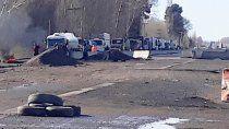 caos de transito en ruta 22 por piquete de vecinos aislados