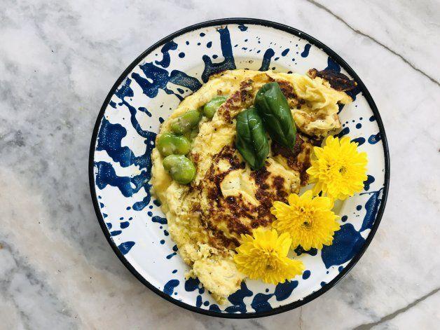Fácil y rico: receta de omelette con habas