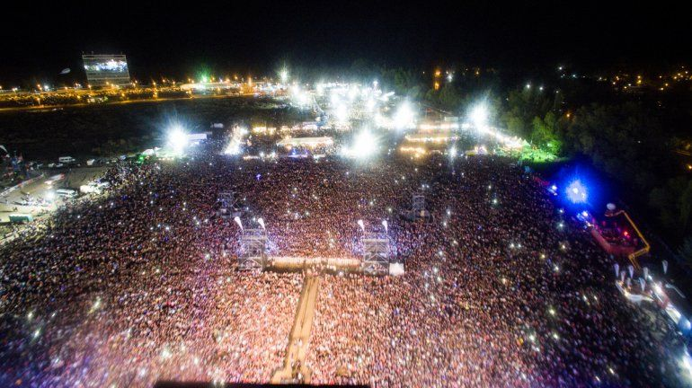 La última noche de la Fiesta de la Confluencia desde el drone de LMN