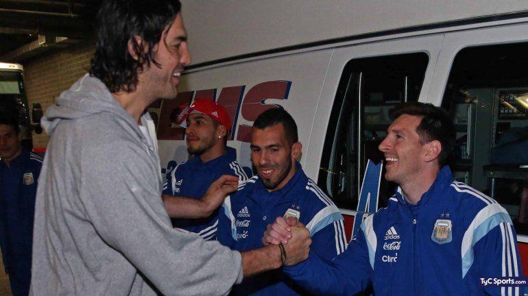 De un ídolo a otro: Messi se unió a los agradecimientos a Luis Scola